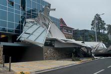 Une étude notariale a perdu sa toiture, pointe de l'Artillerie à Nouméa.