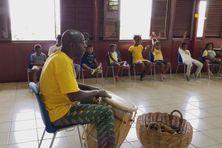 Atelier d'éveil musical, dans les locaux de l'association Kontakaz
