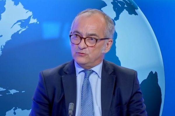 le procureur générale auprès de la cour d'appel de la Réunion Denis Chausserie-Laprée