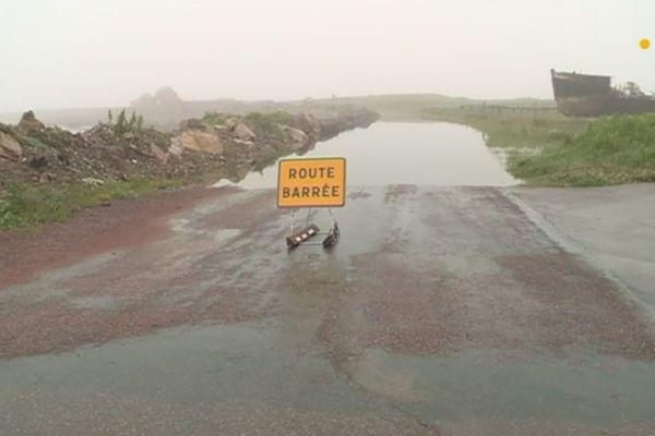 Inondations et dégâts après de fortes pluies à Saint-Pierre