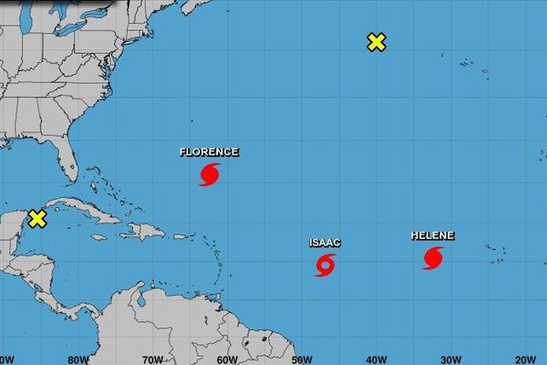 Isaac redevient tempête tropicale