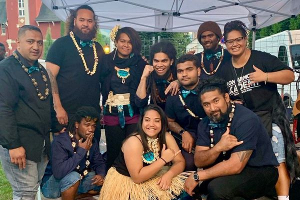Groupe Patience and the Pacific Islanders