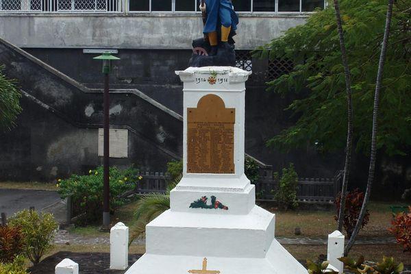 Le monument de Pointe Noire, sur la place de la mairie