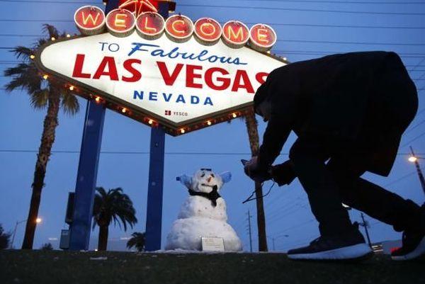 Un photographe immortalise un bonhomme de neige à Las Vegas (Etats-Unis), le 21 février 2019