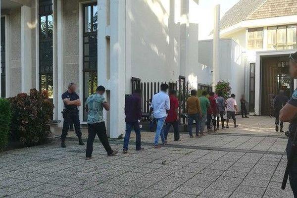 migrants devant le JLD tribunal Champ Fleuri 180419