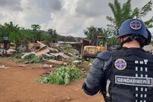 La destruction des cases s'est faite avec l'emploi des forces de l'ordre.