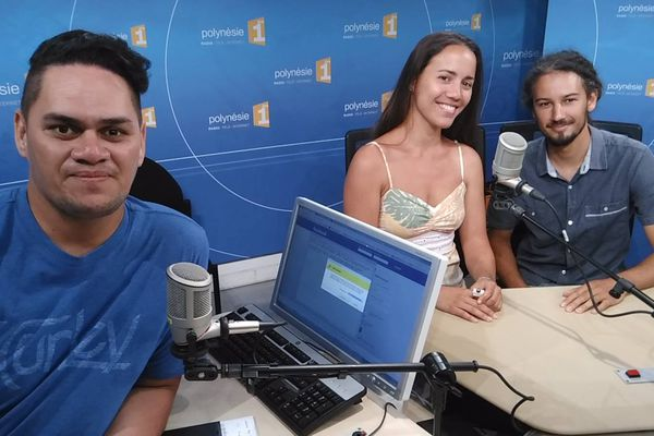 Vaiteani et Luc dans les studios de Polynésie 1ère avec Mateo - 21 07 2016