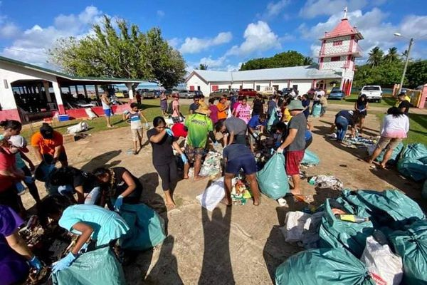 opération nettoyage à Alele Mariapolis wallis