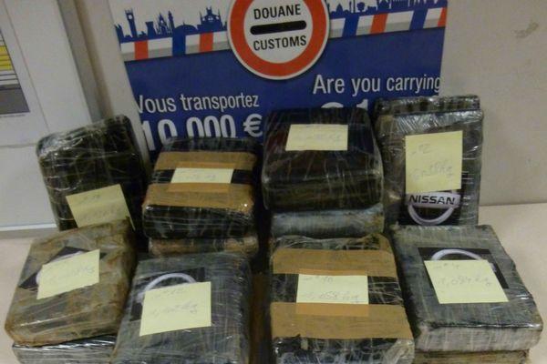 La cocaïne a été retrouvée dans la valise d'un passager
