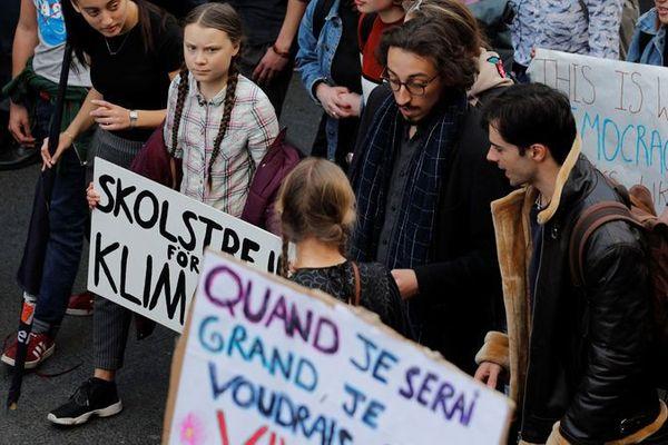GRETA THUNBERG PARTICIPANT À PARIS A LA GRÈVE DES ÉTUDIANTS POUR LE CLIMAT