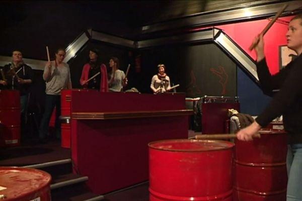 Percussions sur barils