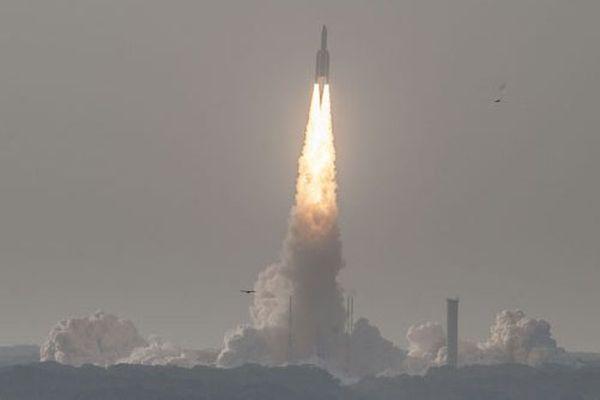 Ariane 5 a décollé à 17h30, mercredi.