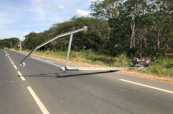 Koné: accident contre un poteau électrique