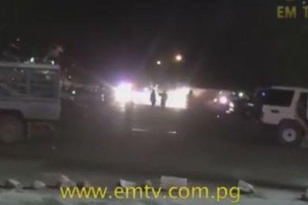 Scène d'affrontement à Port Moresby