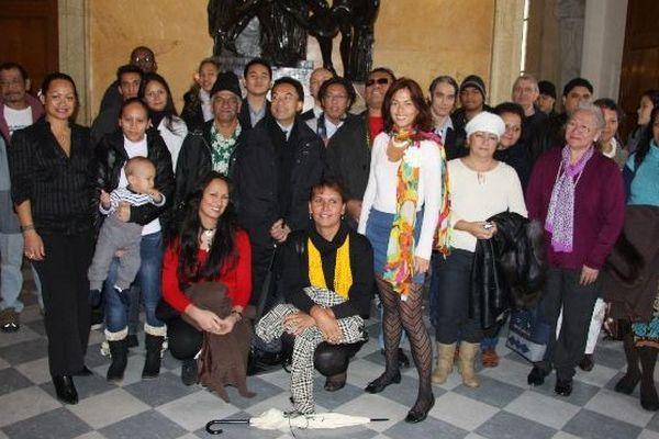 Une délégation polynésienne lors d'une visite de l'Assemblée nationale qu'elle avait organisée