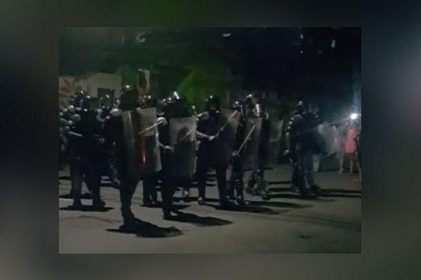 Policiers en Dominique