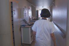 Dans les couloirs de l'hôpital Pierre Zobda Quitman à Fort-de-France.