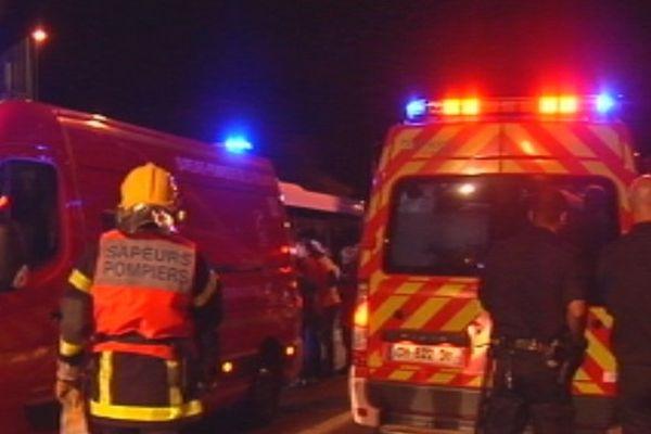 Percutés par un bus au Chaudron, deux jeunes scootéristes décèdent au CHU