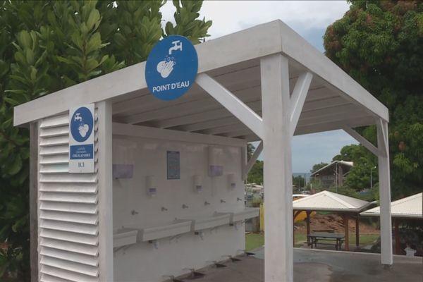 lavabos à pédale lycée Georges Raoul Nicolo