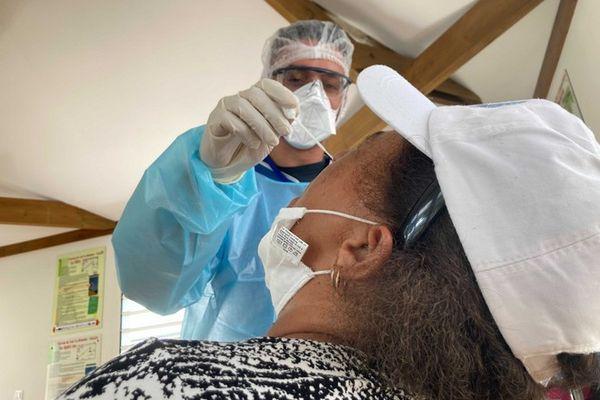 Coronavirus opération dépistage cluster grand ilet salazie 150221