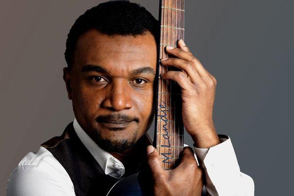 Moha Landje, musicologue mahopolitain.