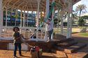 En cette journée mondiale du tricot, les Petites mailles de Calédonie sont mobilisées place des cocotiers