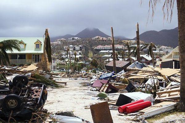 """Irma: le coût des dégâts """"bien supérieur"""" à 200 millions d'euros aux Antilles"""