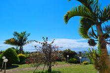 Le soleil brille sur toute l'île ce vendredi matin. Sainte-Suzanne profite d'un beau ciel bleu.