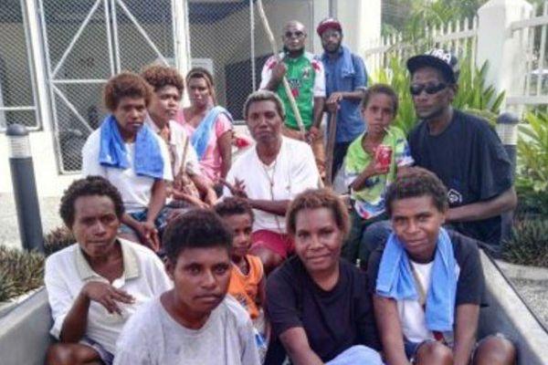 15 Papous secourus après avoir passé plus d'un mois à la dérive