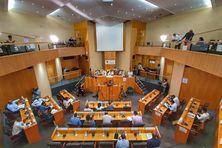 Assemblée de Martinique dans la salle Camille Darsières.