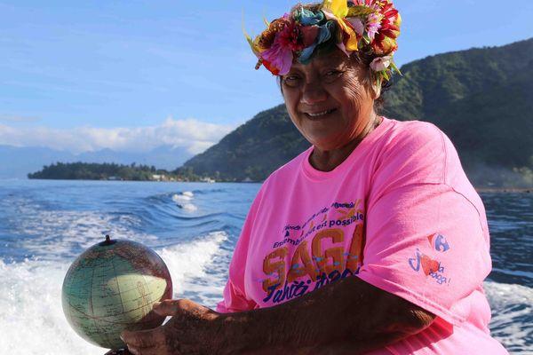 Mama Célina, l'âme du rahui de Teahupoo, à Tahiti