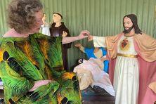 L'artiste Maryvonne Joseph redonne vie aux statues religieuses.