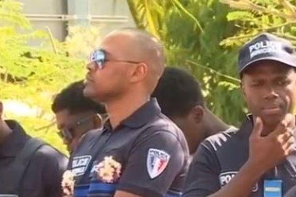 policiers armés