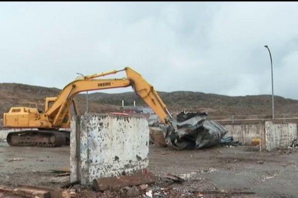 hangar sous douanes demolition