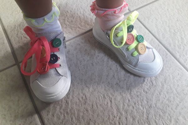 """""""Crazy Shoes Day"""" boutons"""