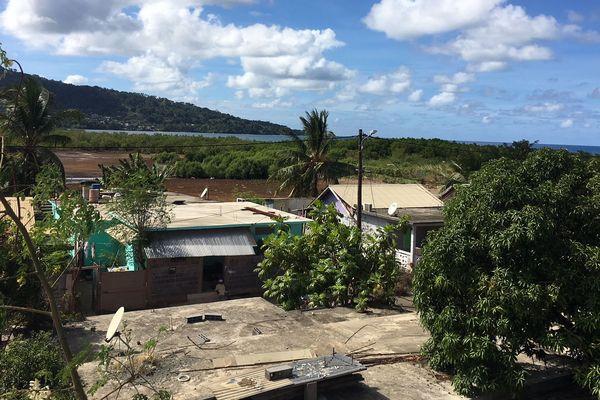 """Un village au sud de Mayotte les """"pieds dans l'eau"""""""