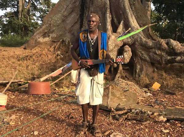 Spirit of Nouméa en Afrique : musicien Naka en Guinée-Bissau (novembre 2017)