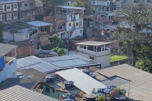 Energie solaire dans les favelas au Brésil