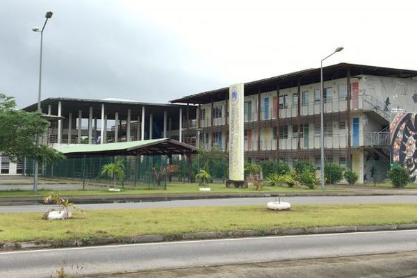 Lycée Léopold Elfort de Mana