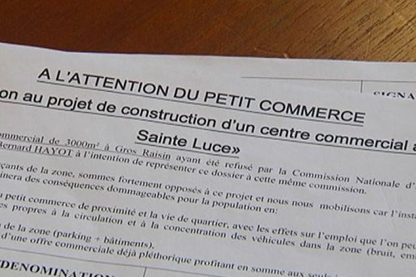 Carrefour- Sainte-Luce / Petit-Commerce