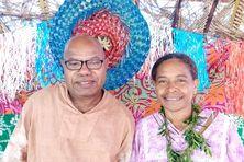 Le petit chef de la tribu de Hunëtë Basiedi Ijezie et sa femme, Wahnga Ijezie.