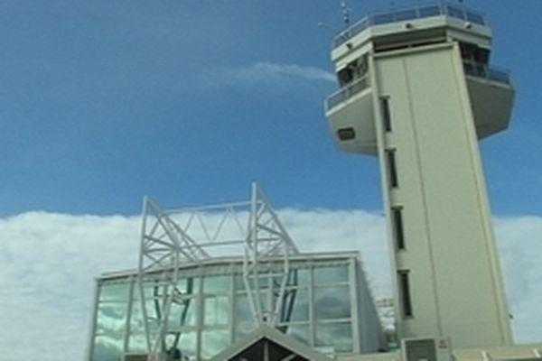 Tour de contrôle de l'aéroport Roland Garros