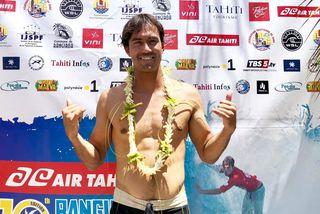 Gavin Gillette remporte la Air Tahiti Rangiroa Pro
