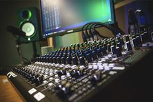 Studio radio.
