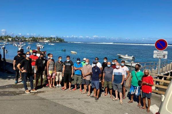 Pêcheurs et plaisanciers Etang Salé au Bassin Pirogue