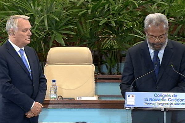 Gérard Poadja et le Premier ministre
