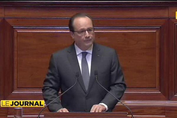 Attentats : François Hollande en appelle à l'unité nationale