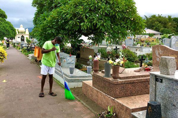 Nettoyage cimetière Saint-Louis