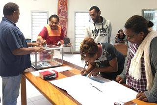 Photo élections législatives Bureau de vote de la mairie  de Hienghene (11 juin 2017)