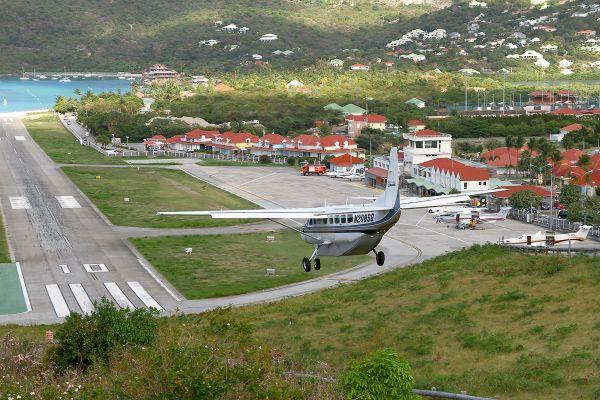 Aéroport Rémy de Haenen, Saint-Barthélemy